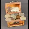 Schatzkiste mit ausländischen Münzen inklusive Silber
