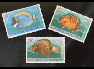 Briefmarken Weißkehlseebader Gewöhnlicher Rippen-Falterfisch Ringkaiserfisch